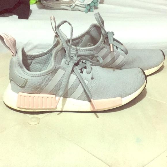 Adidas zapatos EUC NMD poshmark rosa y gris
